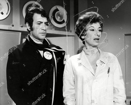 Peter Wyngarde, as Number Two, and Patricia Jessel, as The Psychiatrist