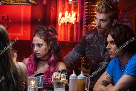 Inanna Sarkis as Molly Samuels, Swen Temmel as Jace and Samuel Larsen as Zed Evans