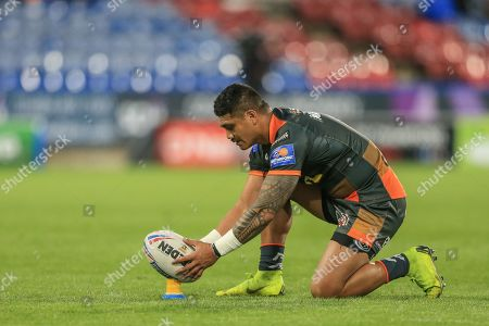 Peter Mata'utia (1) of Castleford Tigers lines up the ball before scoring a penalty