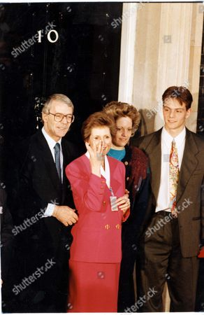 John Major Prime Minster 1992 Triumphant Majors Back At No10 John Major Last Night Set About Stamping His Personality On A Reshaped Cabinet While His Defeated Opponent Neil Kinnock Headed For The Political Wilderness. The Premier Was Reported To Be Drafting At Least Two Women Into His Top Team. Treasury Minister Gillian Shephard And Baroness Blatch A Life Peeress Who Is Holding Down A Job At Environment Are The Favourites John Major With Wife Norma Major Outside No 10 Downing Street