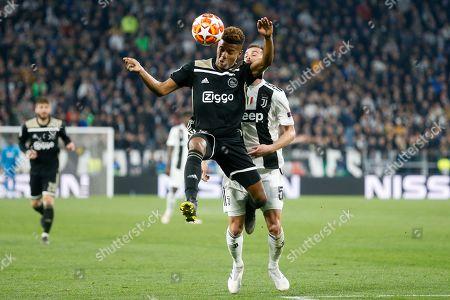 David Neres of Ajax, Miralem Pjanic of Juventus FC during the UEFA Champions League quarter final match