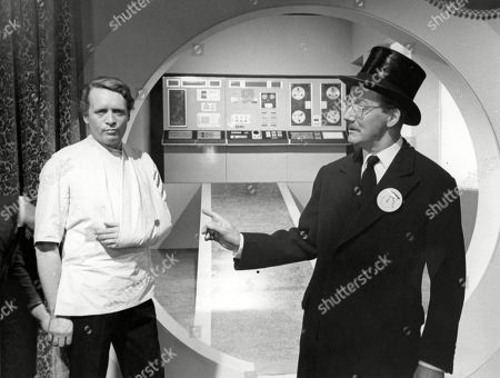 Patrick McGoohan, as Number Six, and Colin Gordon, as Number Two