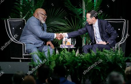Randall Stephenson, Bishop T.D. Jakes. Bishop T.D. Jakes, left, and AT&T CEO Randall Stephenson, right, shake hands after holding a fireside chat about the pilot employment program in partnership with the Texas Offenders Reentry Initiative (T.O.R.I.) on in Dallas