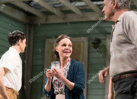 Stock Photo of Colin Morgan as Chris Keller, Sally Field as Kate Keller, Bill Pullman as Joe Keller