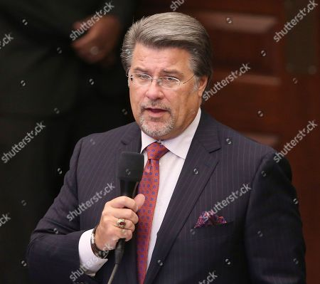Sen. Gary Farmer, D-Lighthouse Point, debates on a bill to allow teachers to be armed during session, in Tallahassee, Fla