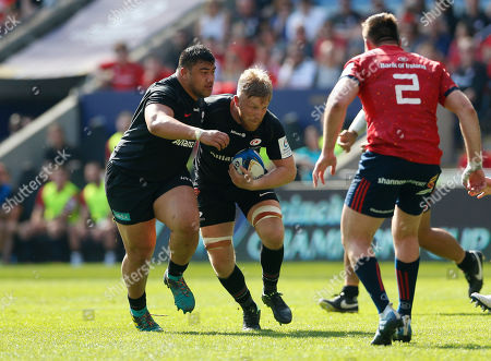 Jackson Wray of Saracens is joined by Titi Lamositele as they run at the Munster defence