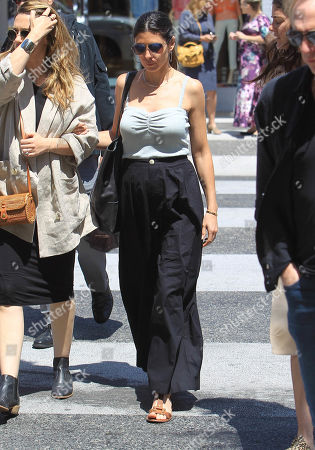 Jamie-Lynn Sigler, out and about, Los Angeles