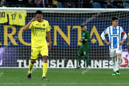Villarreal's Carlos Bacca (L) celebrates after scoring against Leganes, during the Spanish LaLiga match between Villarreal CF and CD Leganes at La Ceramica stadium in Vila-real, eastern Spain, 21 April 2019.