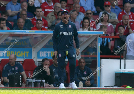 Middlesbrough Manager, Tony Pulis shouts instructions