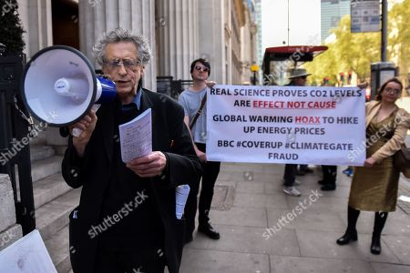 Piers Corbyn (brother of Jeremy Corbyn) protesting against climate change activists as people queue to see climate change campaigner Greta Thurnberg.