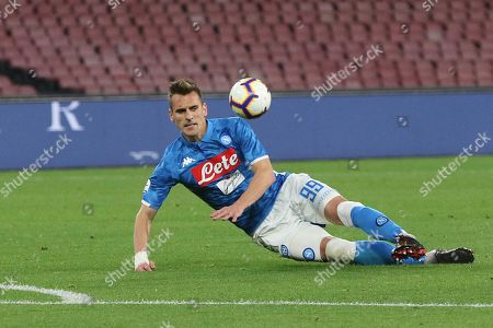 Napoli's Arkadiusz Milik in action during the Italian Serie A soccer match between SSC Napoli and Atalanta BC at the San Paolo stadium in Naples, Italy, 22 April 2019.