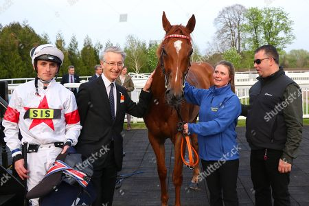 MAJORETTE ridden by Trevor Whelan with owner Chris Clark after winning The Watch The #Bettingpeople Videos starsportsbet.co.uk Handicap Stakes at Lingfield Copyright: Ian Headington/racingfotos.com