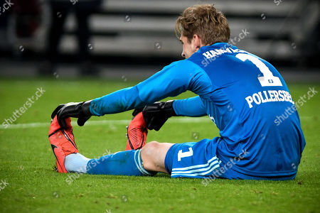 Hamburg's goalkeeper Julian Pollersbeck reacts during the German DFB Cup semi final soccer match between Hamburger SV and RB Leipzig in Hamburg, Germany, 23 April 2019.