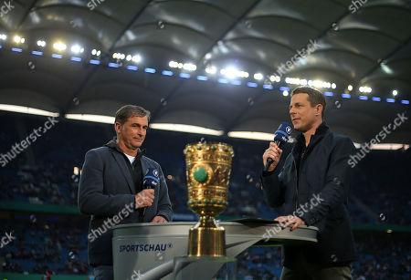23.04.2019, Football DFB Pokal 2018/2019, semi final , Hamburger SV - RB Leipzig, Volksparkstadium Hamburg. (L-R) U21-Bundestrainer Stefan Kuntz (Germany) and TV-Moderagoal Alexander Bommes