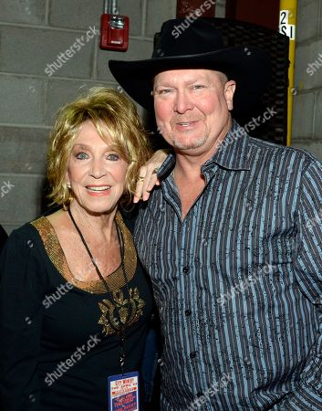 Jeannie Seely, Tracy Lawrence