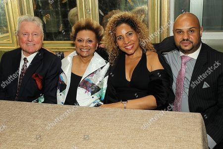 Stock Photo of Grahame Pratt, Leslie Uggams with Family