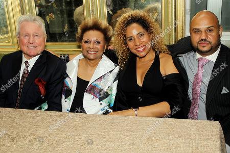 Grahame Pratt, Leslie Uggams with Family