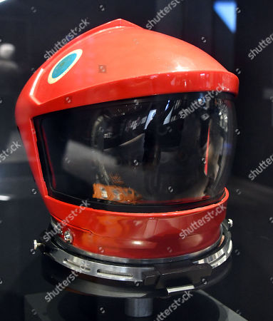 Discovery helmet worn by Keir Dullea as astronaut David Bowman in '2001 A Space Odyssey'