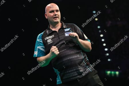 Rob Cross wins leg and celebrates during the PDC Premier League Darts at Arena Birmingham, Birmingham