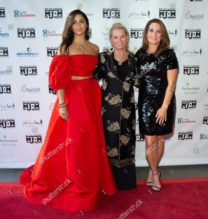 Camila Alves, Sally Brown, and Amy Ingram