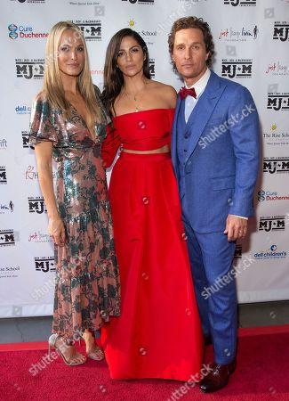 Molly Sims, Camila Alves, and Matthew McConaughey