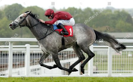 SPARKLE ROLL (Oisin Murphy) wins The Nordoff Robbins Sir George Martin Memorial Fillies Novice Stakes Sandown