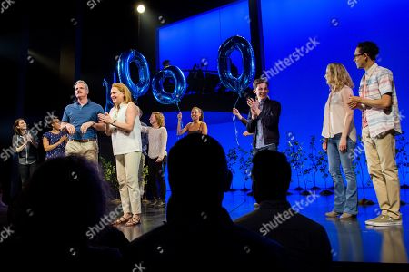 Michael Park, Jennifer Laura Thompson and the cast of 'Dear Evan Hansen'