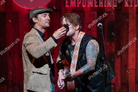 Matthew McConaughey gives Butch Walker a drink