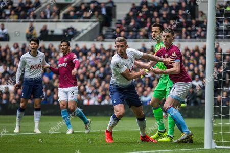 Toby Alderweireld (Tottenham) and Declan Rice (West Ham) during the Premier League match between Tottenham Hotspur and West Ham United at Tottenham Hotspur Stadium, London