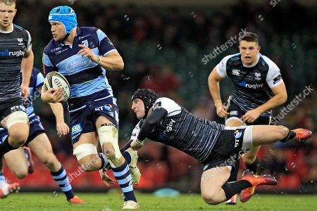 Olly Robinson of Cardiff Blues in action