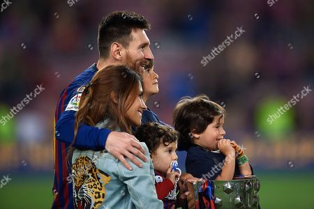Lionel Messi of FC Barcelona with his wife Antonella Roccuzzo and his sons Ciro, Mateo and Thiago