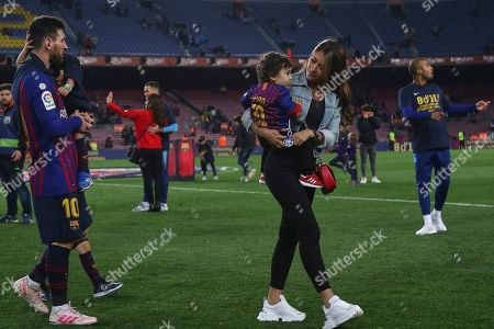 Lionel Messi of FC Barcelona and his wife Antonella Roccuzzo
