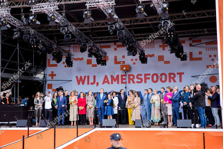King Willem-Alexander, Queen Maxima, Princess Amalia, Princess Alexia, Princess Ariane together with Prince Constantijn and Princess Laurentien, Prince Maurits and Princess Marilene, Prince Bernhard and Princess Annette, Prince Pieter-Christiaan and Princess Anita, Prince Floris and Princess Aimee