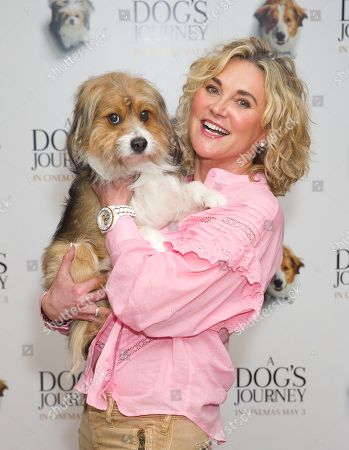 Anthea Turner and dog