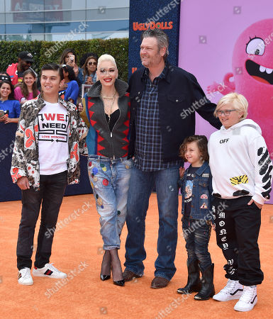 Kingston Rossdale, Gwen Stefani, Blake Shelton, Apollo Rossdale and Zuma Rossdale