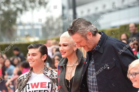 Stock Picture of Kingston Rossdale, Gwen Stefani, Blake Shelton, Zuma Rossdale