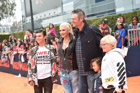 Stock Picture of Kingston Rossdale, Gwen Stefani, Blake Shelton, Apollo Rossdale, Zuma Rossdale