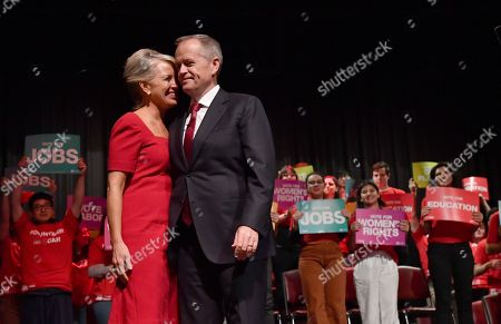 Australian Opposition Leader Bill Shorten (C-R) and his wife Chloe Shorten (C-L) embrace during a Labor Party campaign rally at Box Hill Town Hall in Melbourne, Australia, 28 April 2019. Shorten announced that if elected his government will spend 4 billion Australian dollar (around 2.5 billion euro) to reduce the out-of-pocket costs parents pay for child care.