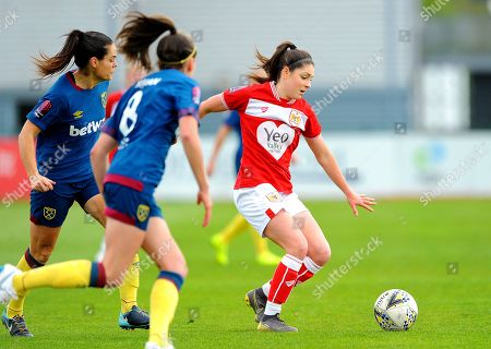 Stock Photo of Claire Rafferty applies pressure on Carla Humphrey of Bristol City- Mandatory by-line: Nizaam Jones/JMP