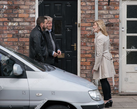 Ep 9756 Monday 29th April 2019 - 1st Ep As Ken Barlow, as played by William Roache, and Peter Barlow, as played by Chris Gascoyne, return from their meeting, Leanne Tilsley, as played by Jane Danson, approaches and rails at Peter for his treatment of Simon.