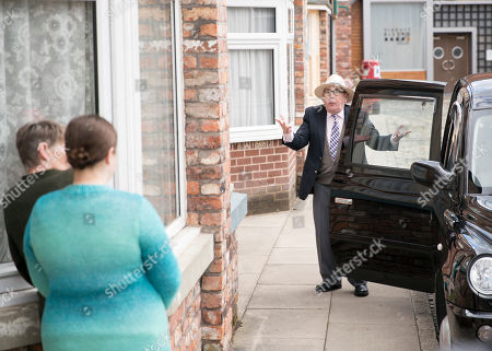 Ep 9762 Monday 6th May 2019 -1st Ep Mary Taylor, as played by Patti Clare, is incensed to see Freda showing and estate agent into number 3. With no word still from Norris Cole, as played by Malcolm Hebden, she chats to Tracy who suggests that maybe Freda, as played by Ali Briggs, has done away with him. Mary dashes to number 3 where she is horrified to find the urn, as she runs out of the house hysterical with Freda running after her a can pulls up and out gets Norris!