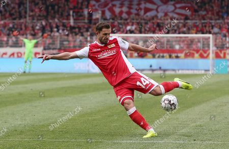 Ken Reichel       /   2.Bundesliga  DFL /  2018/2019 / 27.04.2019 / 1.FC Union Berlin FCU vs. Hamburger SV HSV / DFL regulations prohibit any use of photographs as image sequences and/or quasi-video. /