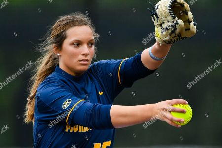 Murray State's Hannah James pitches against Jacksonville State during an NCAA softball game on in Jacksonville, Ala