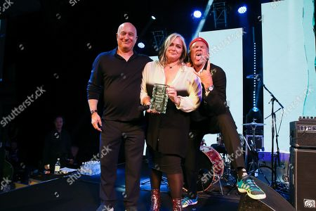 Stock Picture of Emma Banks is presented with the MITS Award 2018 by Peter Mensch and Chad Smith