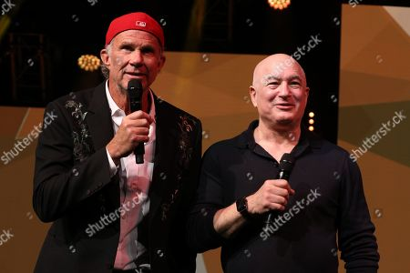 Stock Photo of Chad Smith wiht Peter Mensch on stage to present the MITS Awards 2018