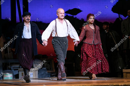 Peter Polycarpou (Sancho Panza), Kelsey Grammer (Miguel de Cervantes/Don Quixote) and Danielle De Niese (Aldonza/Dulcinea) during the curtain call
