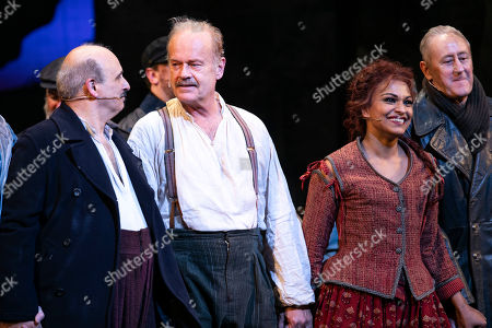 Peter Polycarpou (Sancho Panza), Kelsey Grammer (Miguel de Cervantes/Don Quixote), Danielle De Niese (Aldonza/Dulcinea) and Nicholas Lyndhurst (Innkeeper/Governor) during the curtain call