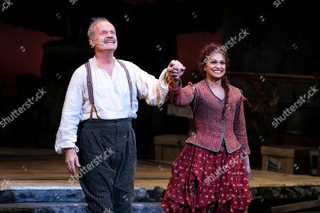 Kelsey Grammer (Miguel de Cervantes/Don Quixote) and Danielle De Niese (Aldonza/Dulcinea) during the curtain call