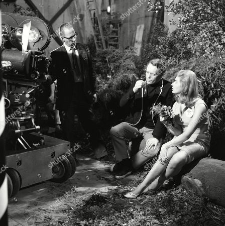 Behind the scenes studio filming featuring Patrick McGoohan, as Number Six, and Angela Browne, as Number Eighty-Six, with studio camera crew