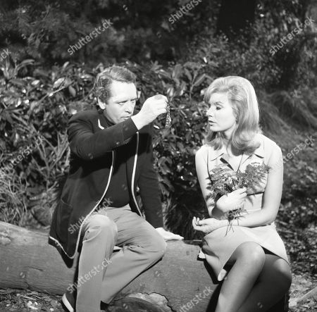 Patrick McGoohan, as Number Six, and Angela Browne, as Number Eighty-Six